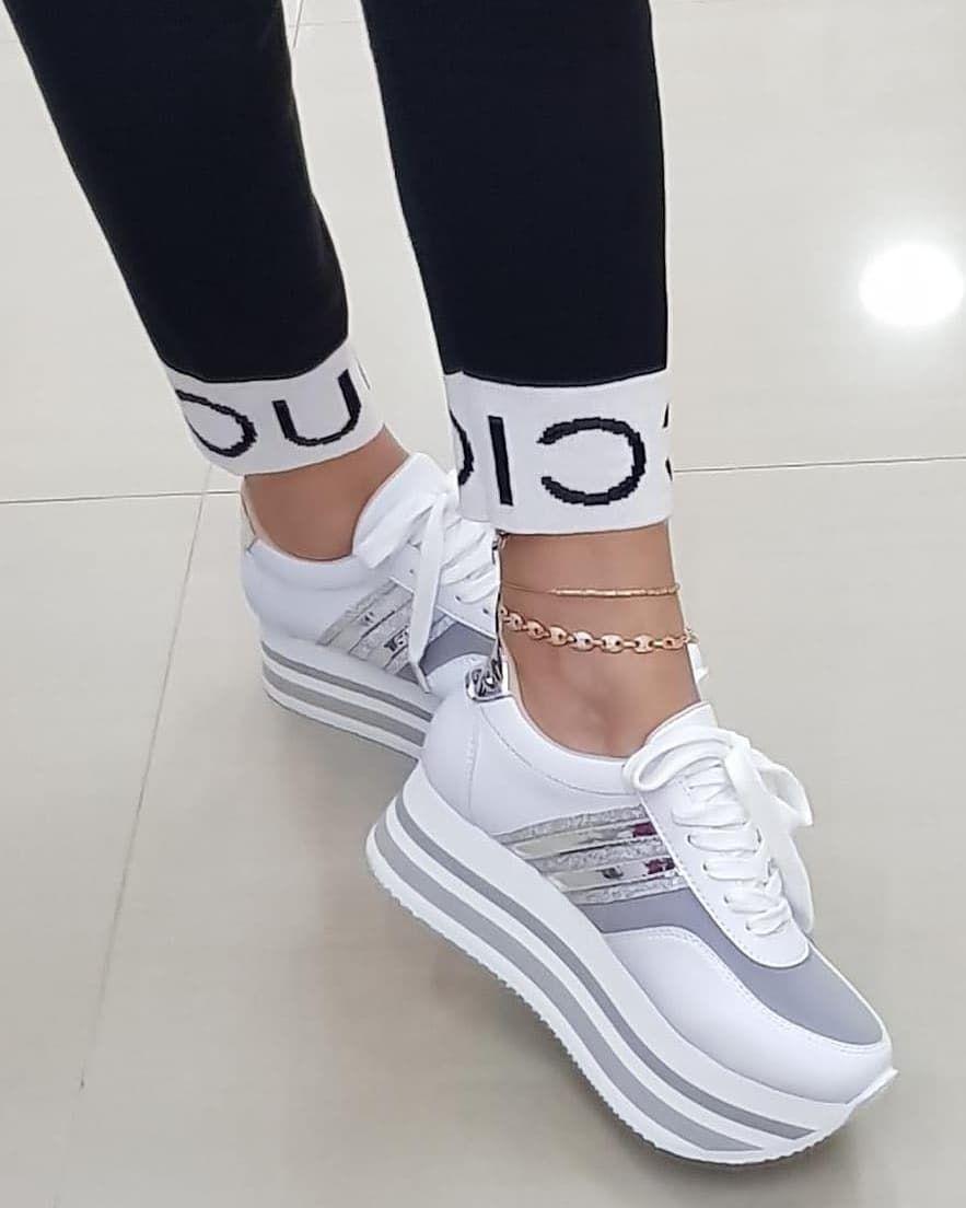 3f4cd334 #moda #mujer #tennis blancos con plataforma. #moda #mujer #tennis blancos  con plataforma Zapatos Nuevos ...