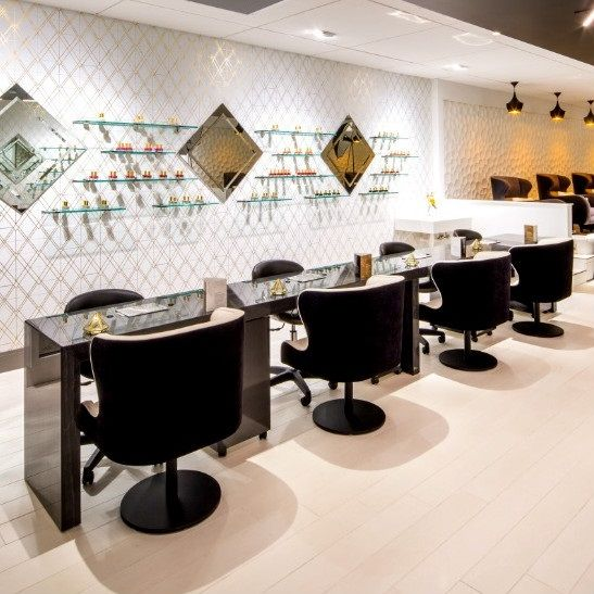 Manicure With Images Nail Salon Design Nail Salon Nail Salon Interior Design