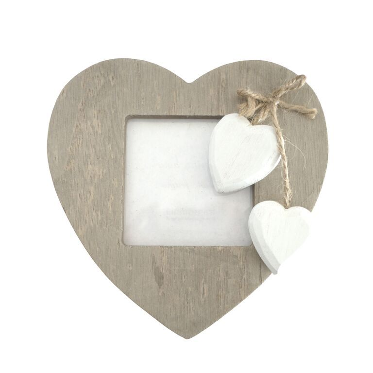 This Timber Treasures Wall Hanging Heart Shaped Picture Frame With