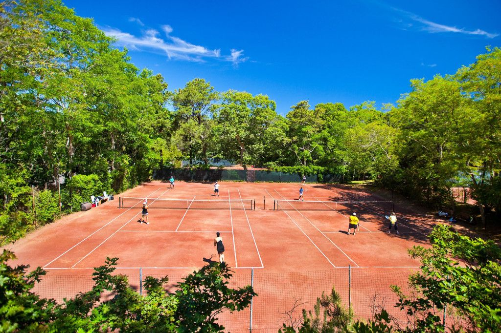 Public Tennis Courts Oliver S Red Clay Tennis Courts Wellfleet Ma If You Re Headed To Cape Cod Pack Your Racket T Tennis Court Public Tennis Courts Tennis
