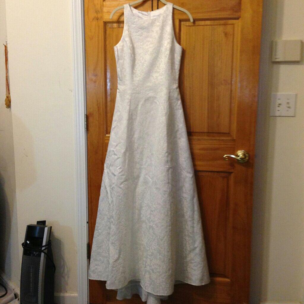 Gunne sax wedding dress  Jessica Mcclintock Bridal Brocard Dress Size   Dark stains and