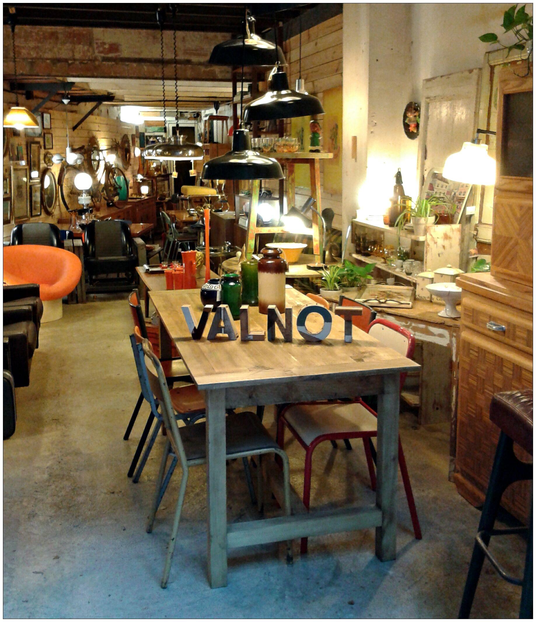Valnot cr viladomat 30 08015 barcelona m s en tumblr instagram - Mobles vintage barcelona ...