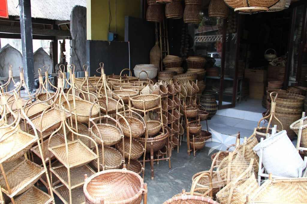 Image from http://www.thevillareview.com/wp-content/uploads/2014/03/Bali-Shopping-1368.jpg.