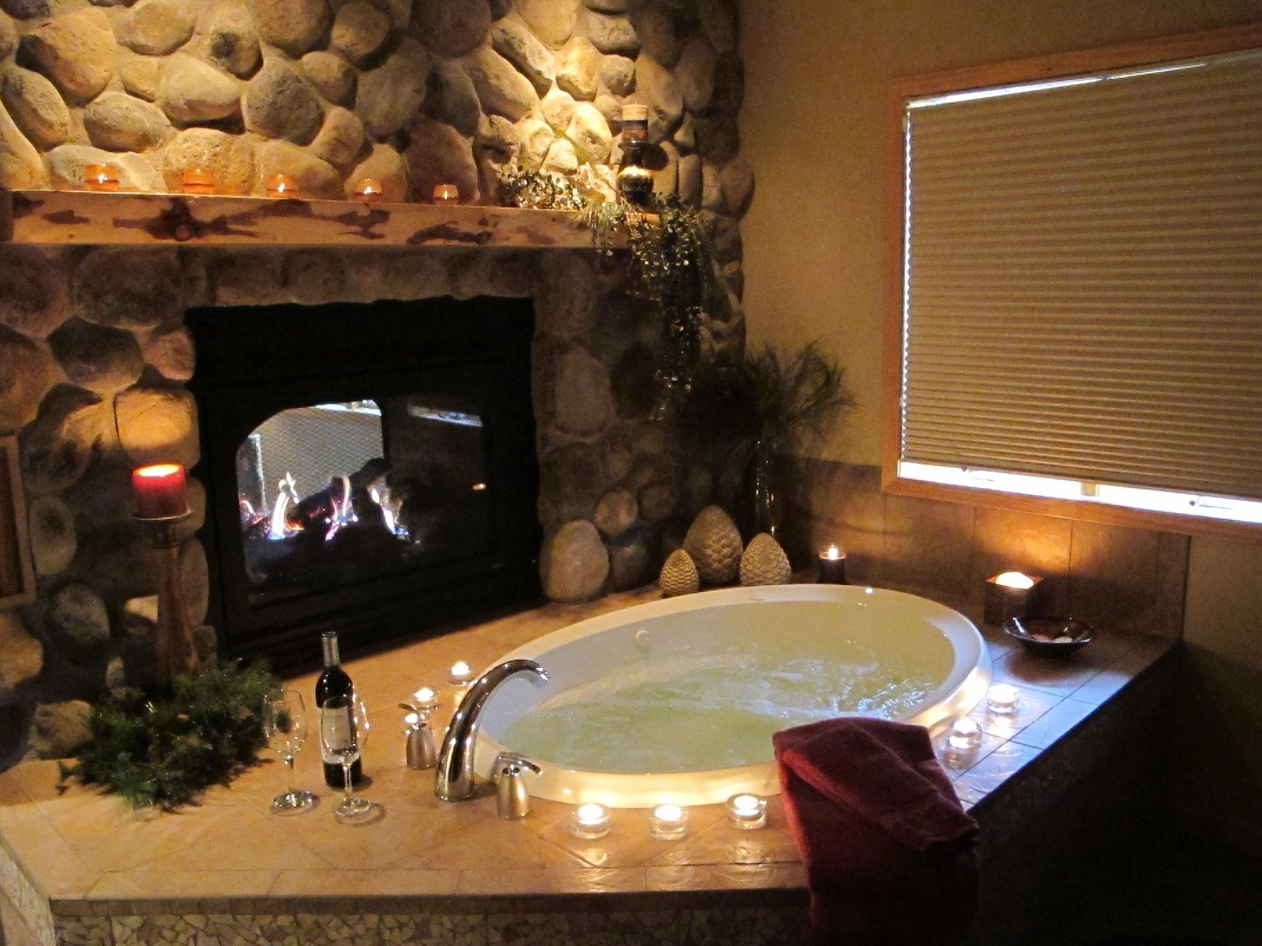 Our Retreat House Allows A Bride To Relax Before And After Her Big Day Jacuzzi Fireplace Candles Romantic Weddings Baignoire
