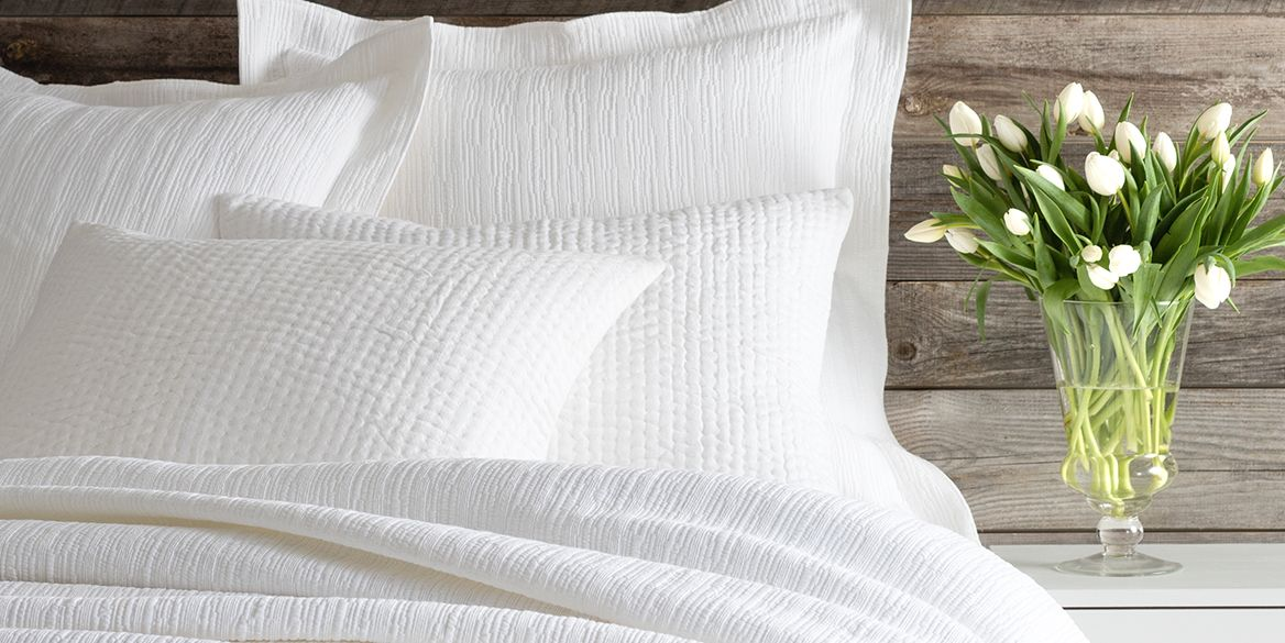 BED•U•CA•TION 101: How to Layer Whites for the Ultimate Year-Round Bed - Fresh American Style