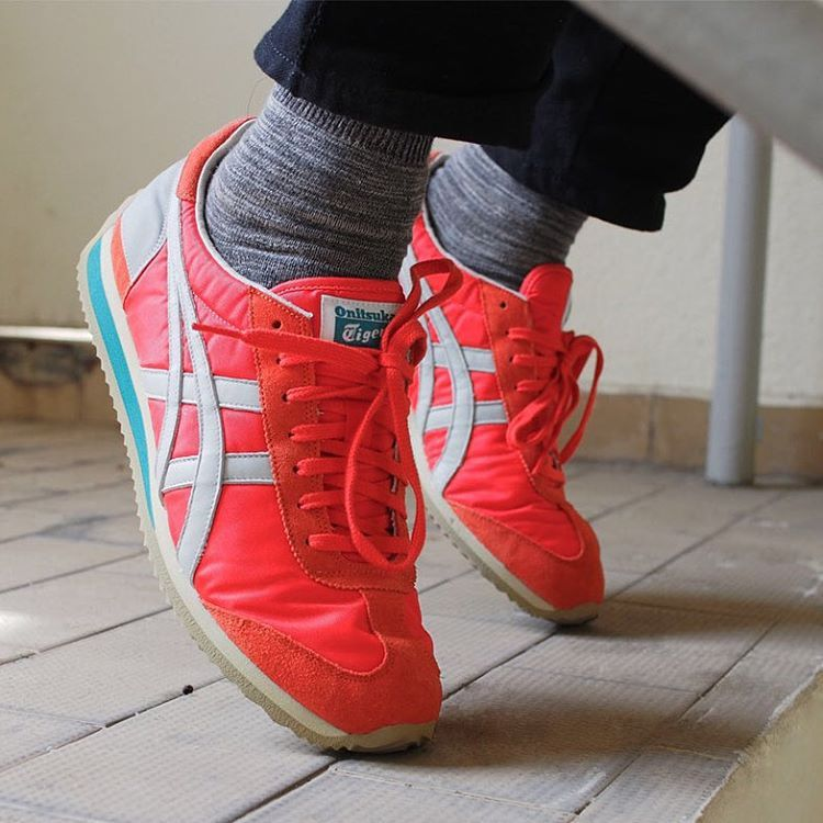 824d438adc37 Onitsuka Tiger California 78  Red