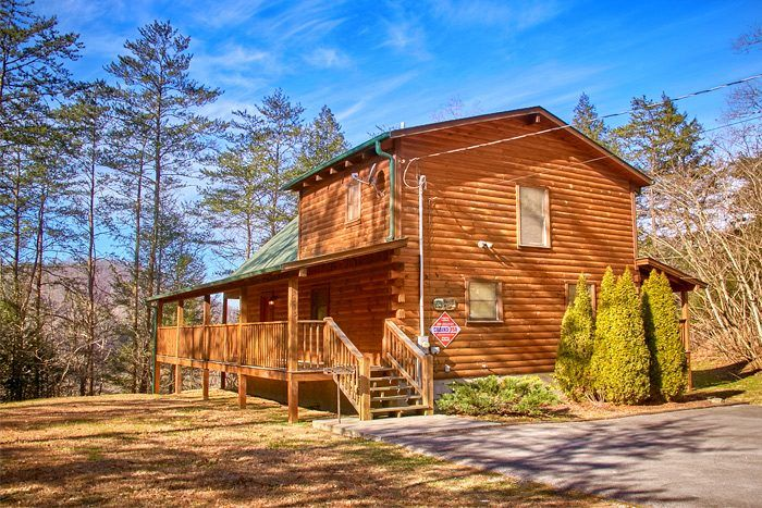 Enjoy Being Knotty And Nice At This Honeymoon Cabin Cabin Honeymoon Cabin Vacation Cabin Rentals