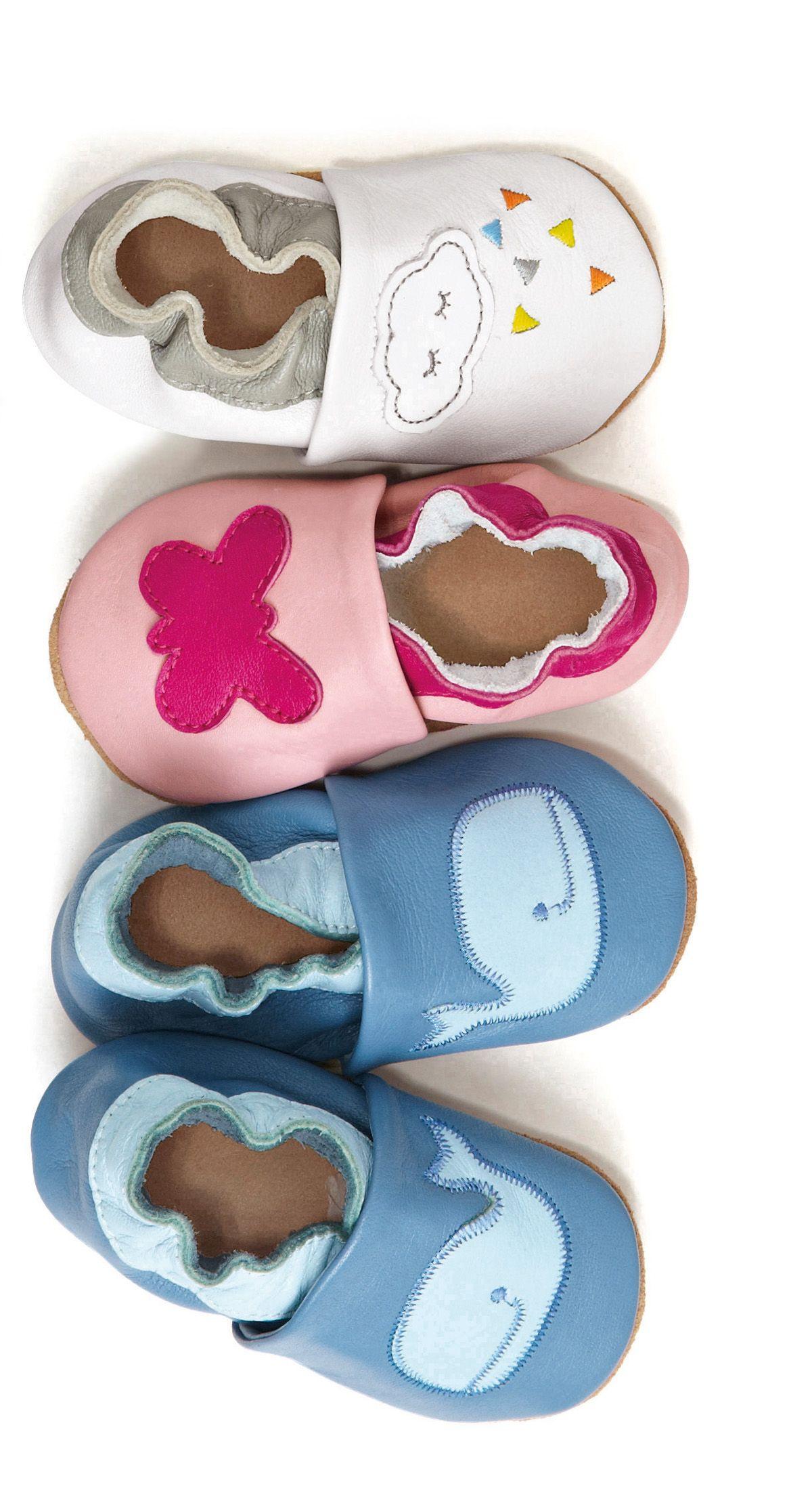 7c7f05784a9ee Les chaussons en cuir souple bébé. Collection Printemps-Eté 2016 - www. vertbaudet.fr