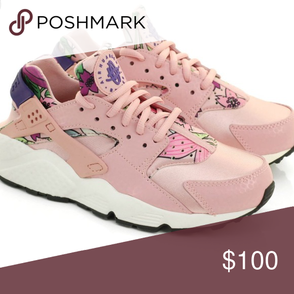 nice shoes 7e136 df607 Nike Air Huarache Run Aloha Floral Print Shoes Nike Air Huarache Run Aloha  Floral Print Shoes