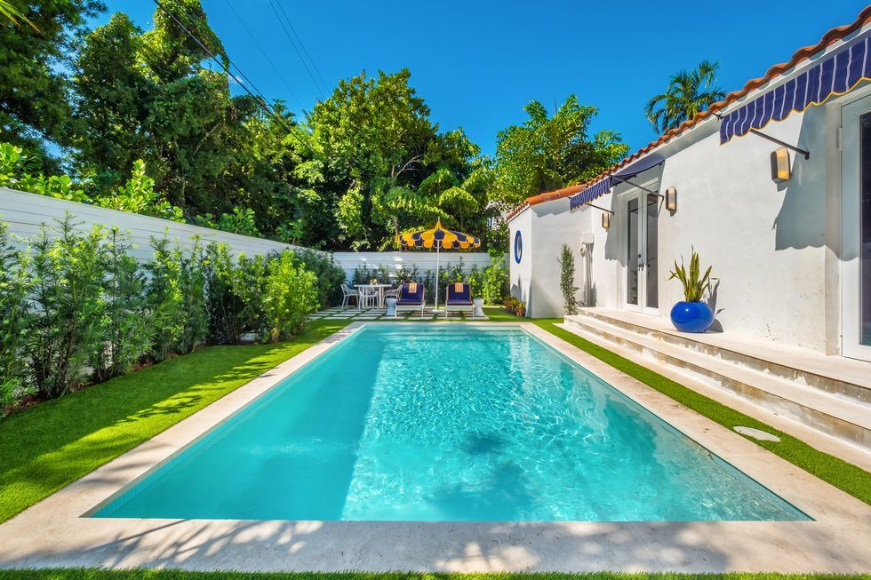 This Historic Med Deco Home In Miami Beach Could Be Yours Miami Houses Swimming Pool Designs Miami Beach