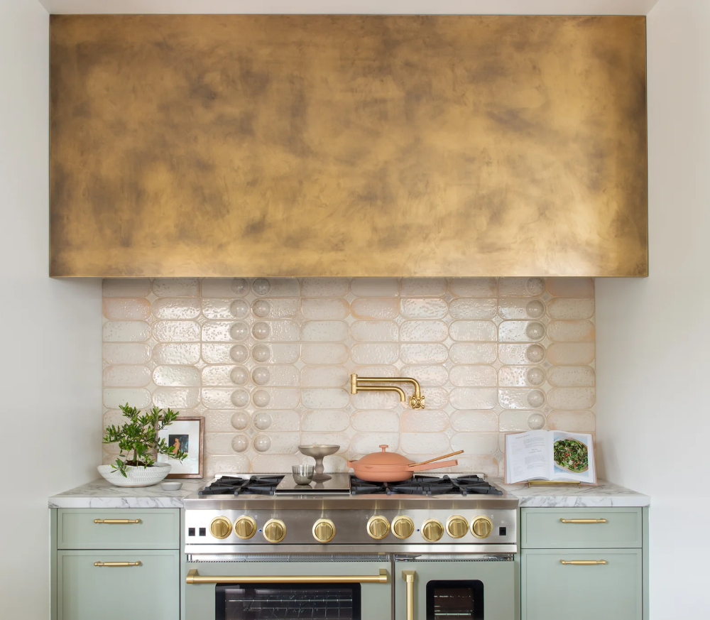 Tour The San Francisco Decorator Showcase In 2020 Mediterranean Kitchen Updated Kitchen Kitchen