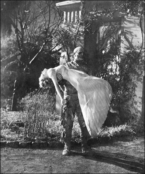 The Mummy's Tomb, 1942