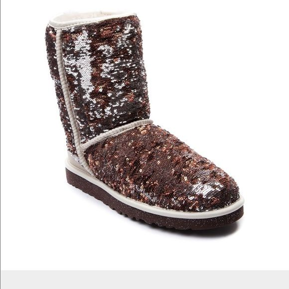 New in box champagne sequence uggs size 7 New in box I'll take pl