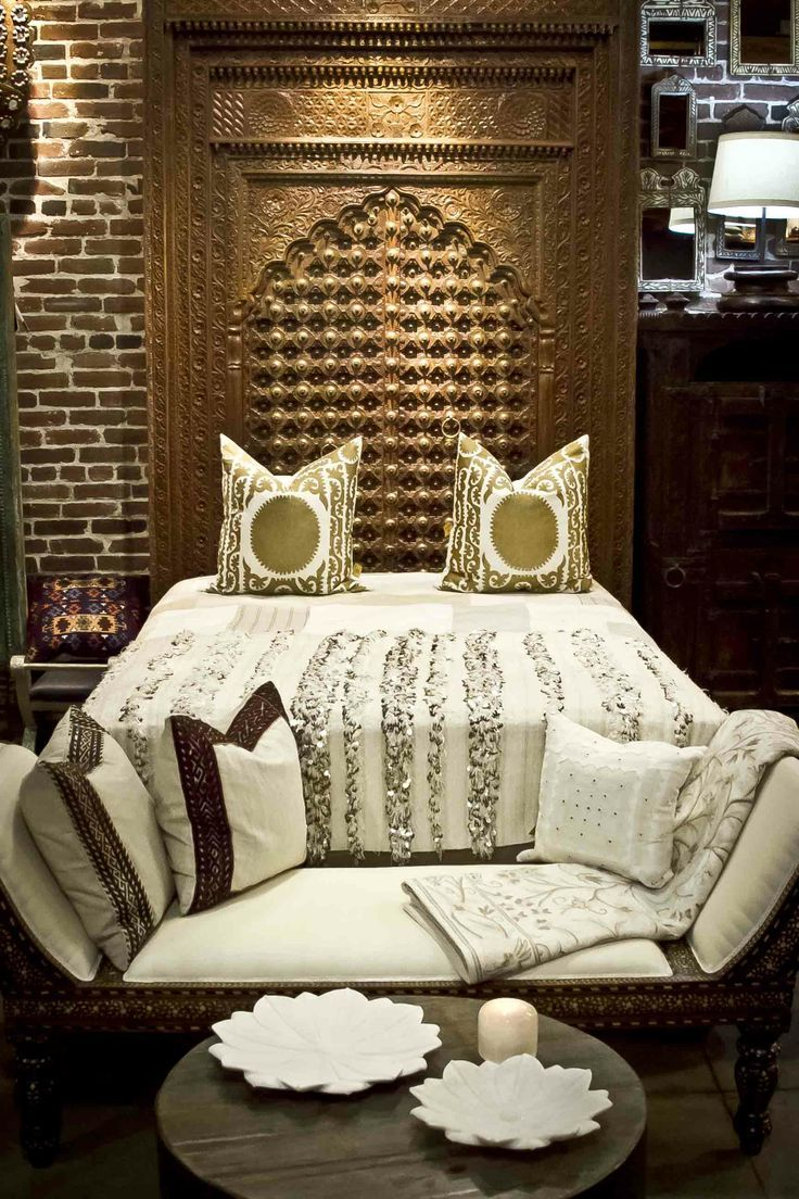 pingl par souka na majid sur t te de lit marocaine lit. Black Bedroom Furniture Sets. Home Design Ideas