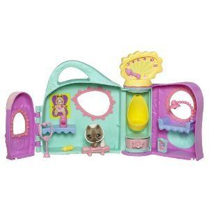 snow white and the 7 dwarfs with mushroom house play set