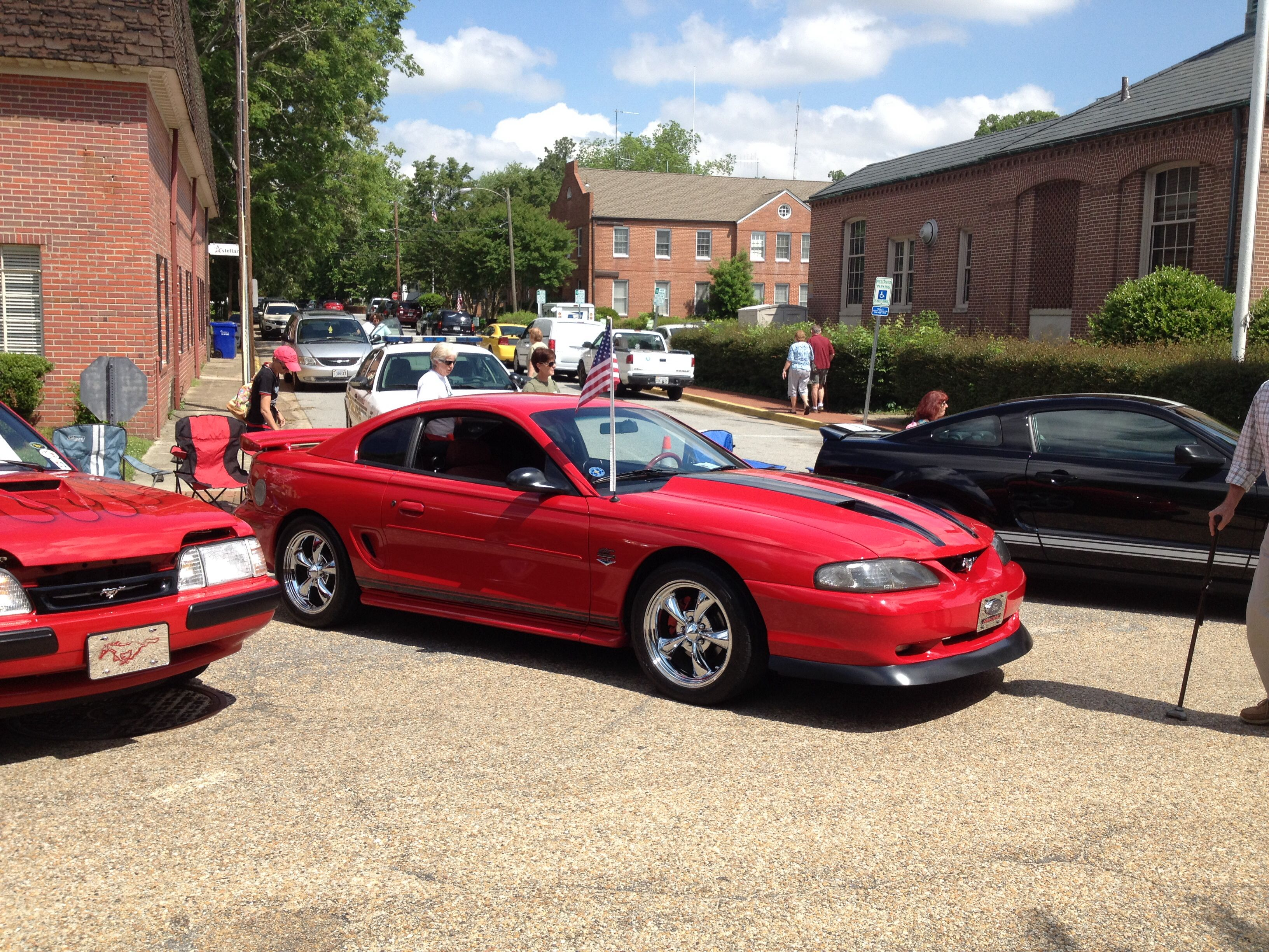 Mustang with Shelby / Mach 1style hood