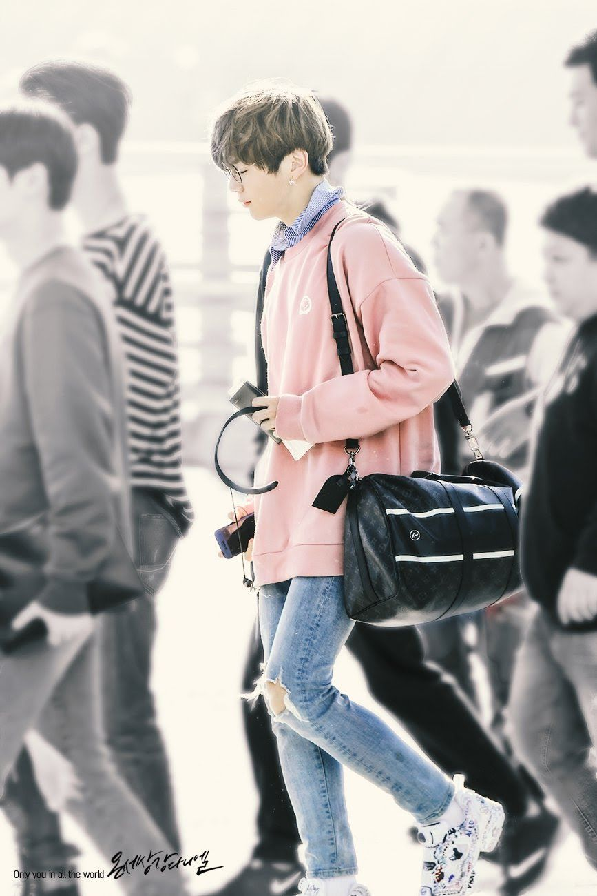 Kpop Clothes Male : clothes, Idols, Whose, Amazing, Outfits, Makes, Boyfriend, Material, Koreaboo, Outfits,, Korean, Fashion, Kpop,, Model, Poses, Photography