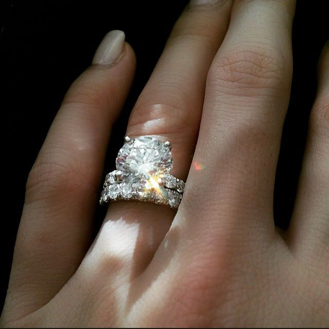 My Dream Ring 4 5 Karat Solitaire Diamonds Around The Entire Band Only If He S Worthy