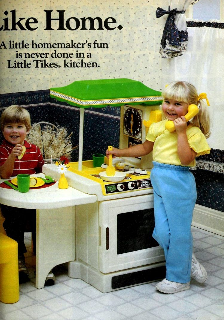 Vintage Play Kitchens Toys For Budding Chefs From The 80s 90s Play Kitchen Play Kitchen Accessories Toy Kitchen