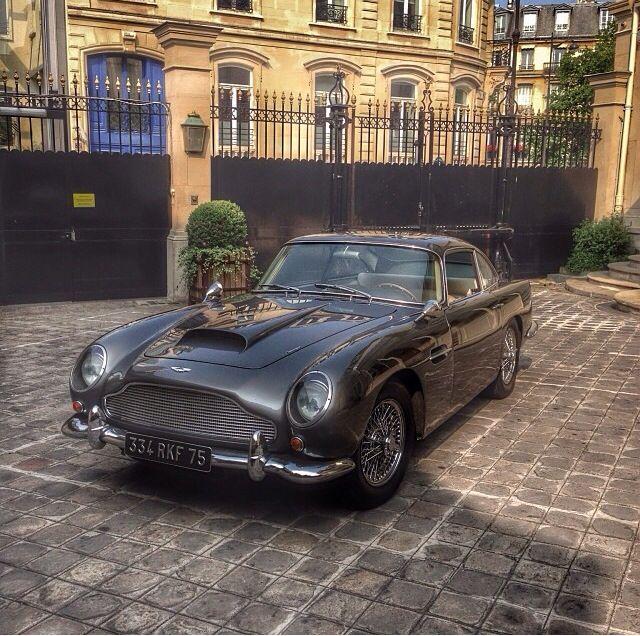 Aston Martin Cars, Aston Martin Lagonda
