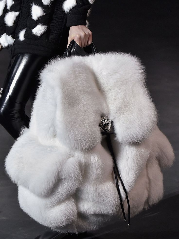 #White #Fur #Backpack #Runway #Accesories #Bag #Model #Details #Style #Fashion #BiographyInspiration