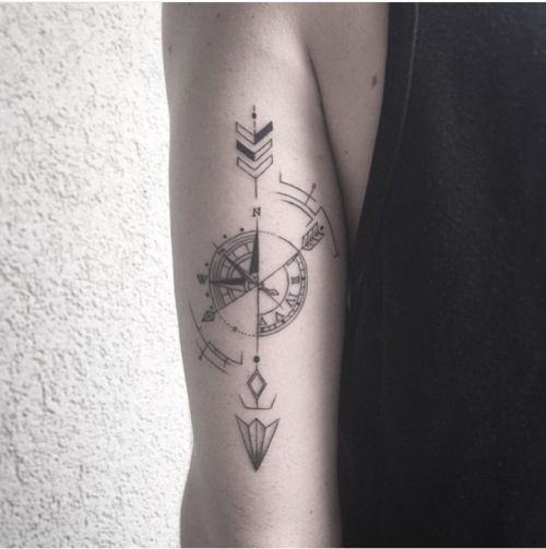 Resultado De Imagen Para Tatuaje Mitad Brujula Mitad Reloj