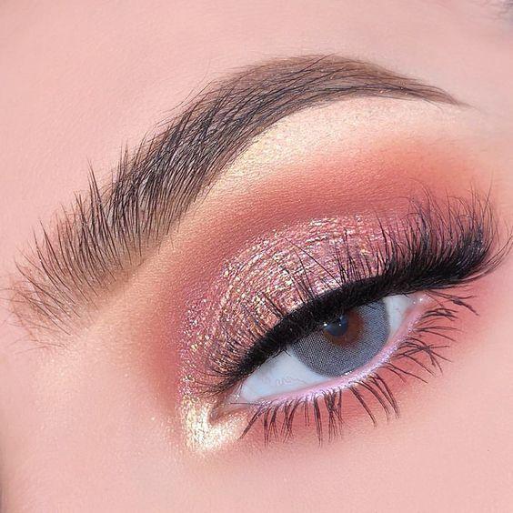 41 Top Rose Gold Make-up-Ideen, die aussehen wie eine Göttin – Samantha Fashion Life #makeupproduct – makeup products – Simple eye makeup