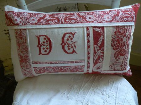 LOVE the redwork on this pillow