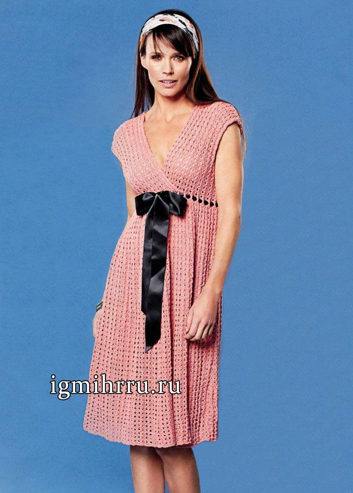 Розовое платье из шелка