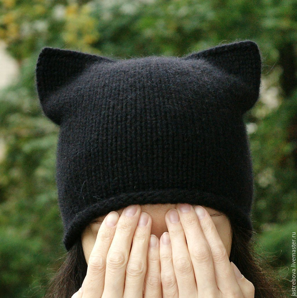молодежная вязаная шапка с ушами схема