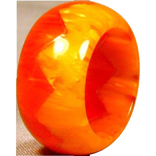Original 1930s Bakelite ZIG-ZAG Red & Yellow Ring