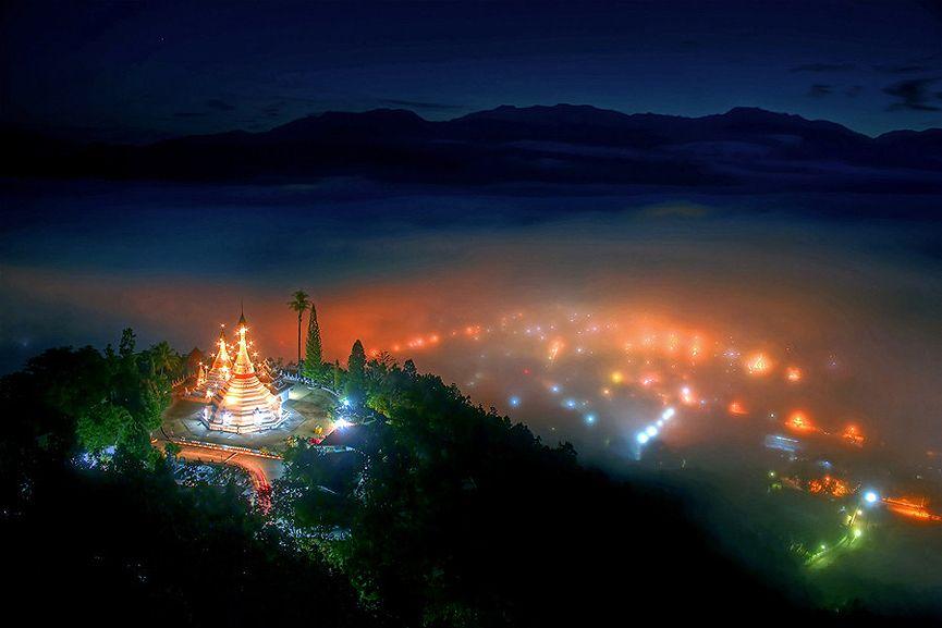 Templo Wat Phra That Doi Kong Mu en Mae Hong Son, Tailandia. Sanchai Loongroong