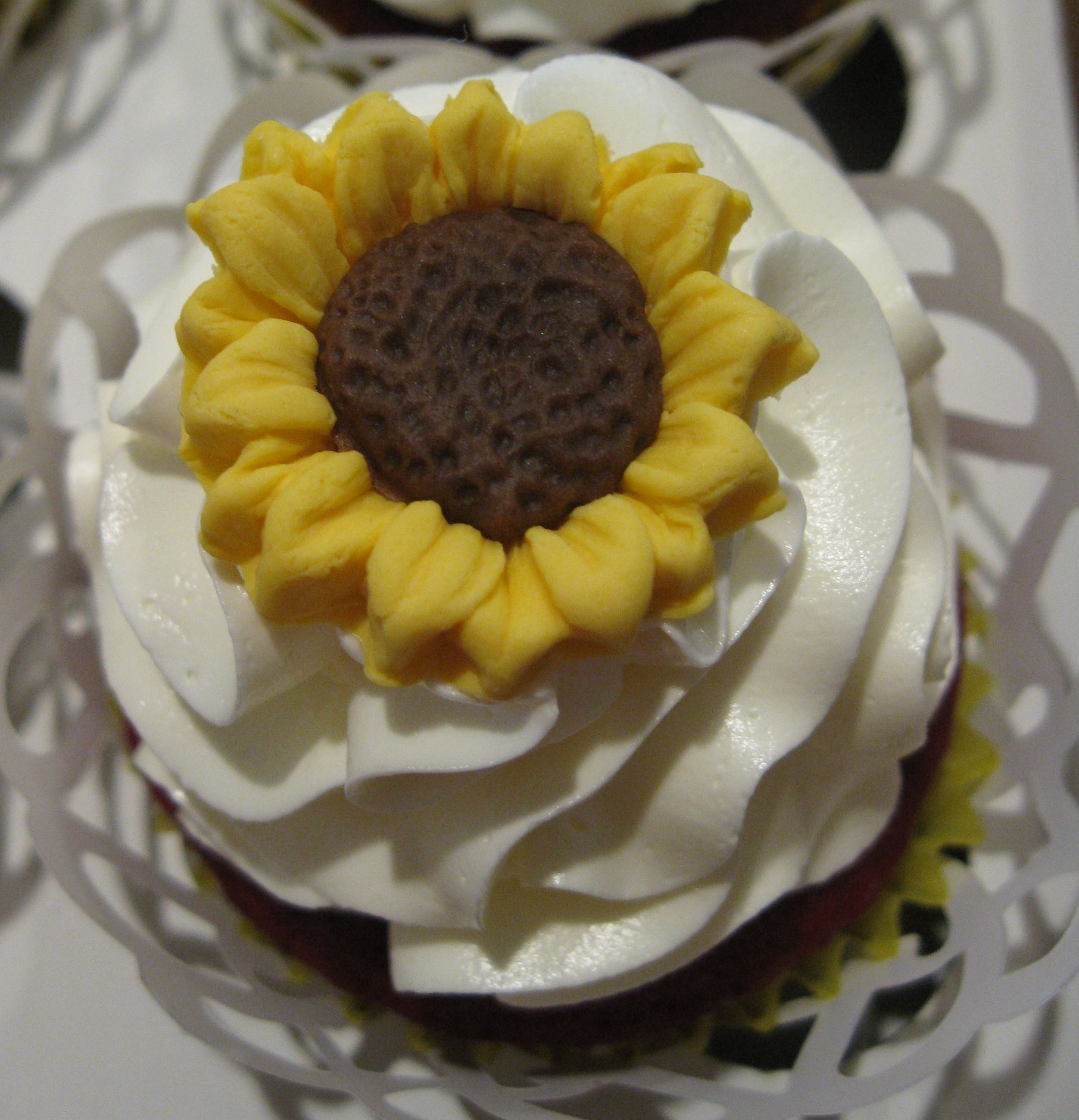 Best 25 Sunflower wedding cupcakes ideas only on