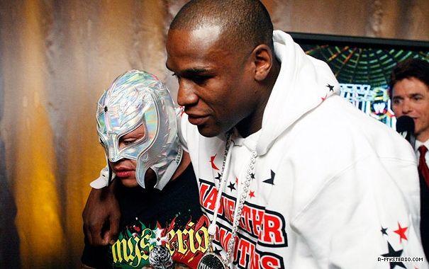 Rey Mysterio vs Floyd Mayweather Jr