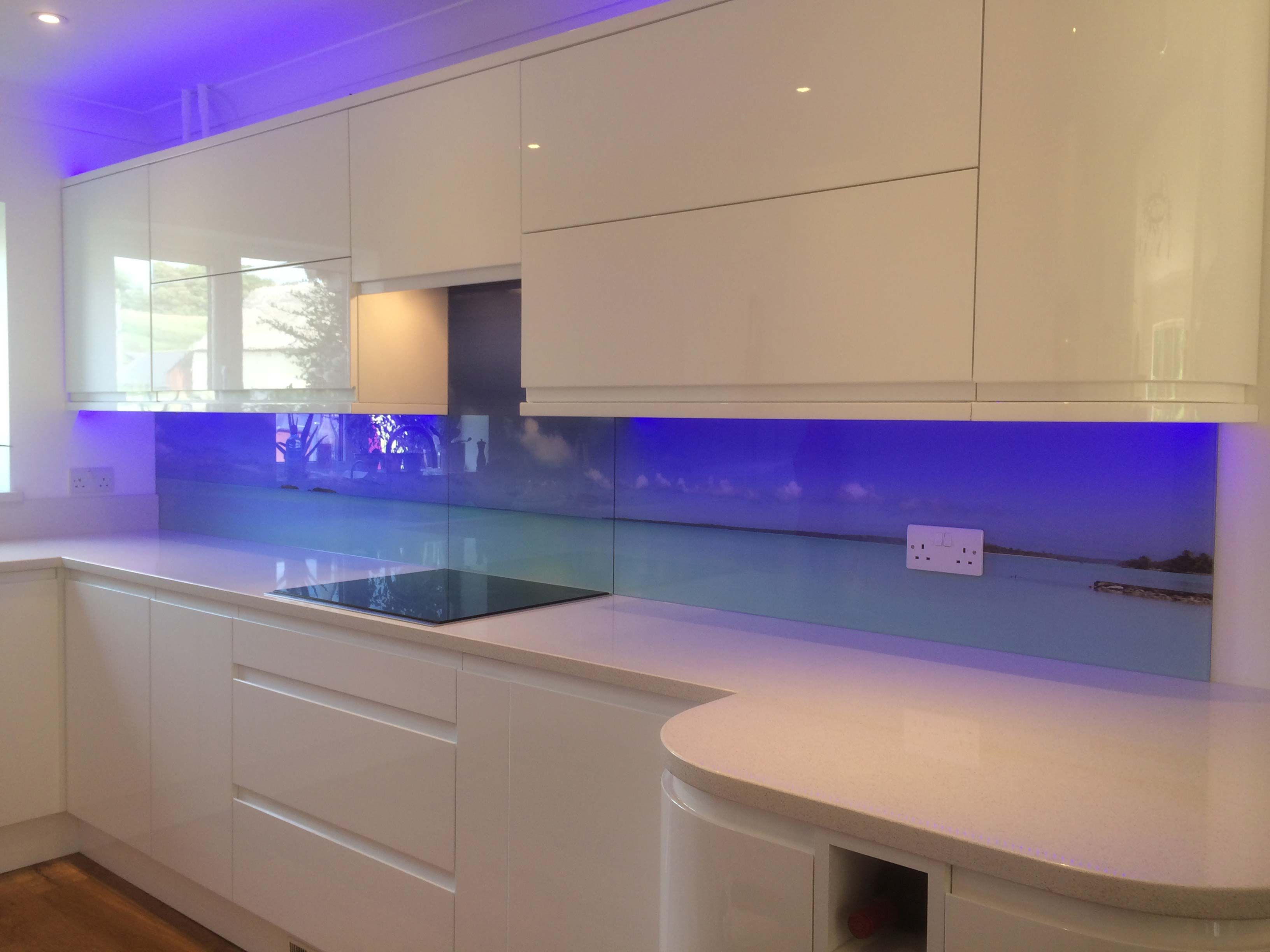The 25 Best Kitchen Glass Splashbacks Ideas On Pinterest