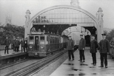 Historische Bilder von Berliner U-Bahnhöfen- Berlin -