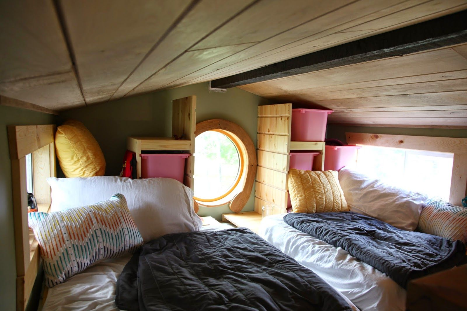 Peachy 1000 Images About Bless This Tiny House On Pinterest Minnesota Largest Home Design Picture Inspirations Pitcheantrous
