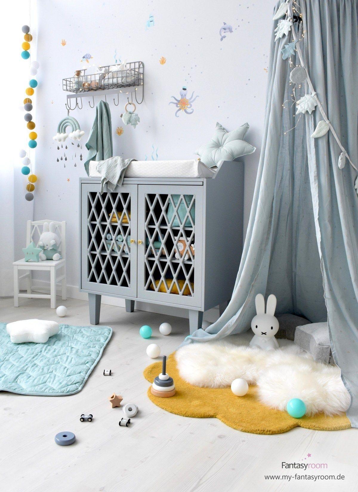 Kinderzimmer für Jungen mit Kuschelecke, mit Baldachin