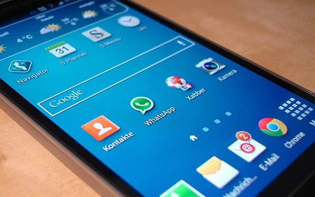 WhatsApp new Android update is available only for the 8 0