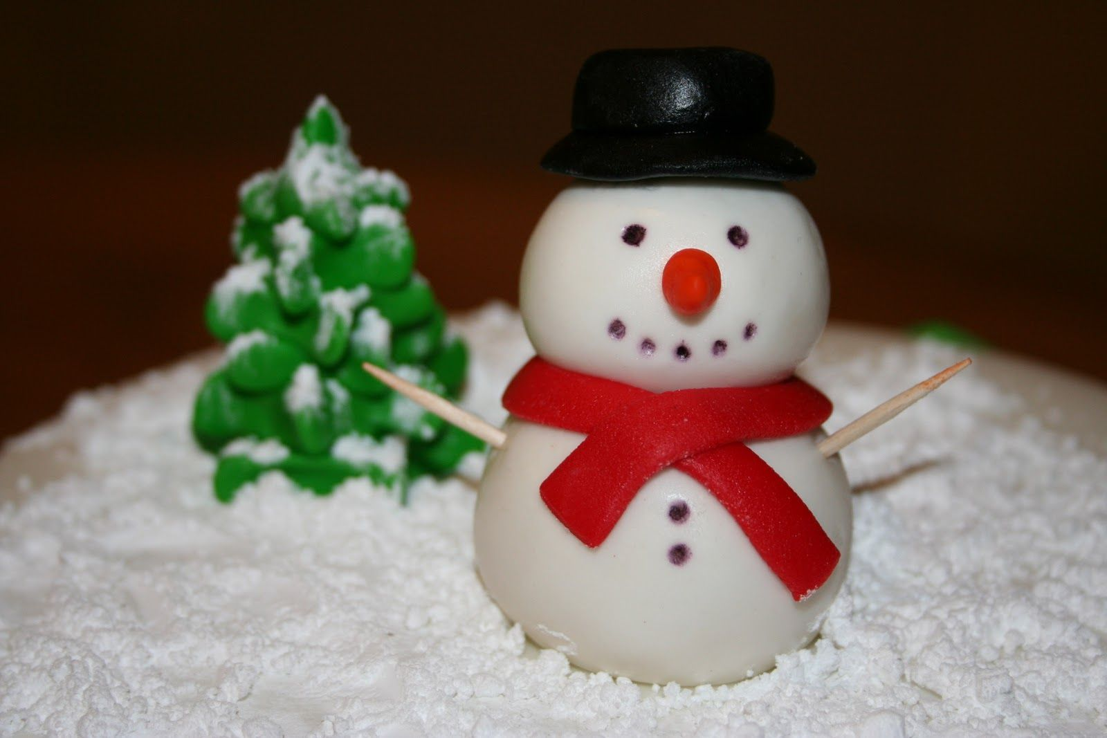 how to make fondant snowman | How To Make A Fondant Olaf The Snowman ...