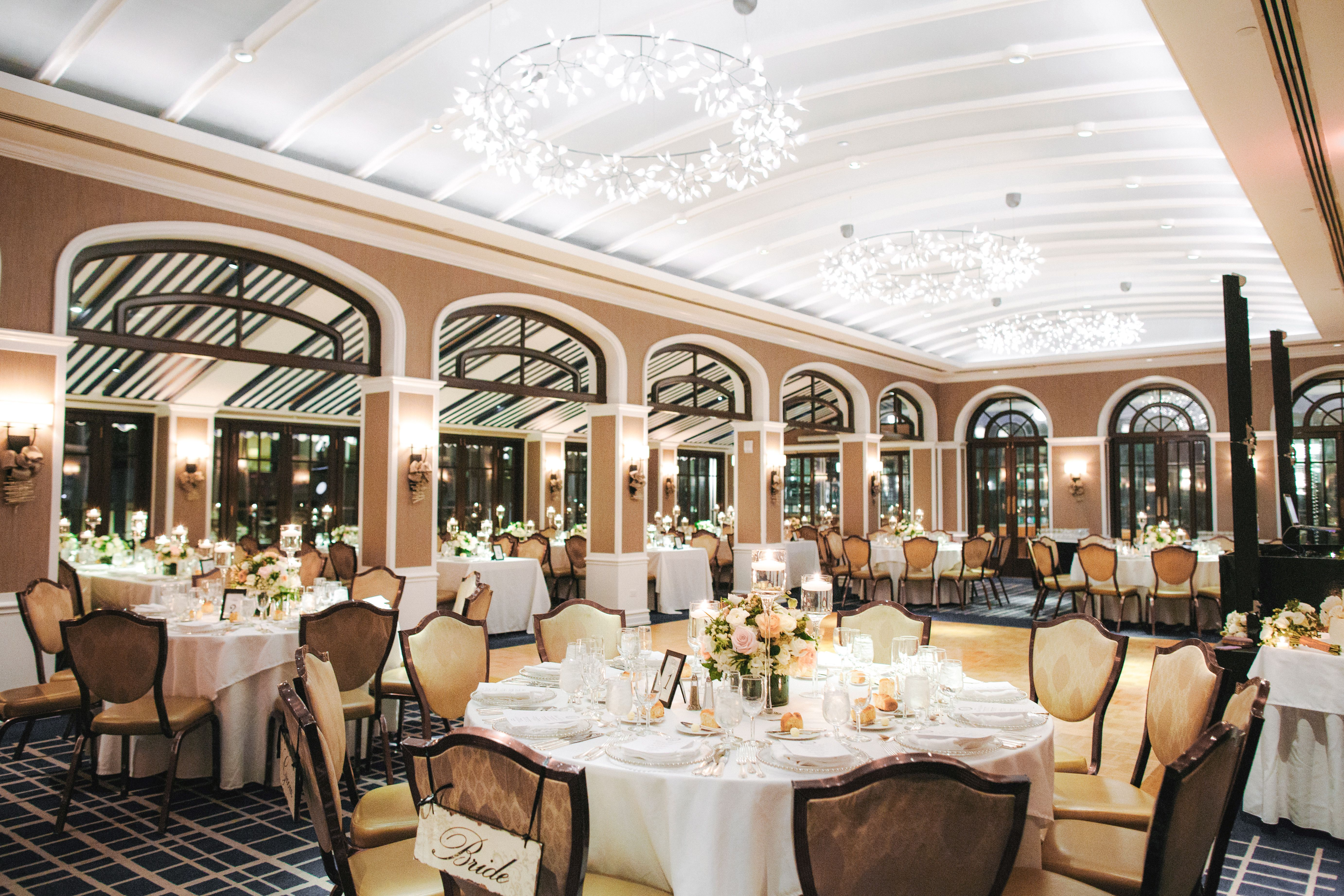 Surrounded By The Panoramic City Skyline This Indoor Outdoor Venue Balances Urban Energy With A Natural Rel City Wedding Venues Outdoor Venues Dinning Room