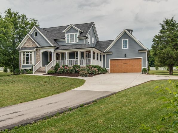 View 26 Photos Of This 3 Bed 3 5 Bath 2970 Sqft Single Family