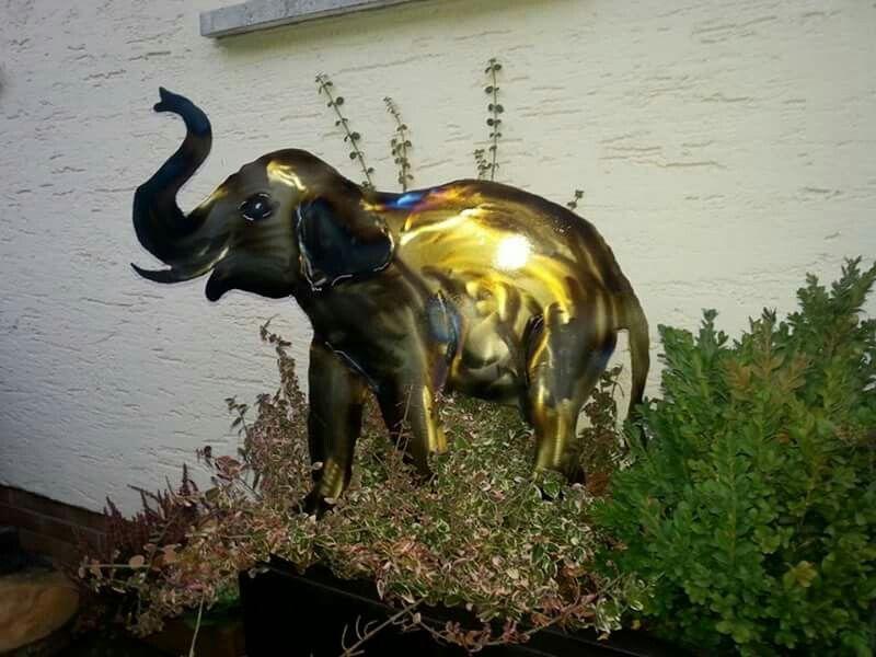 Elefant aus Stahlblech als Gartendekoration Kunst aus Metall und - gartendeko aus stein und metall
