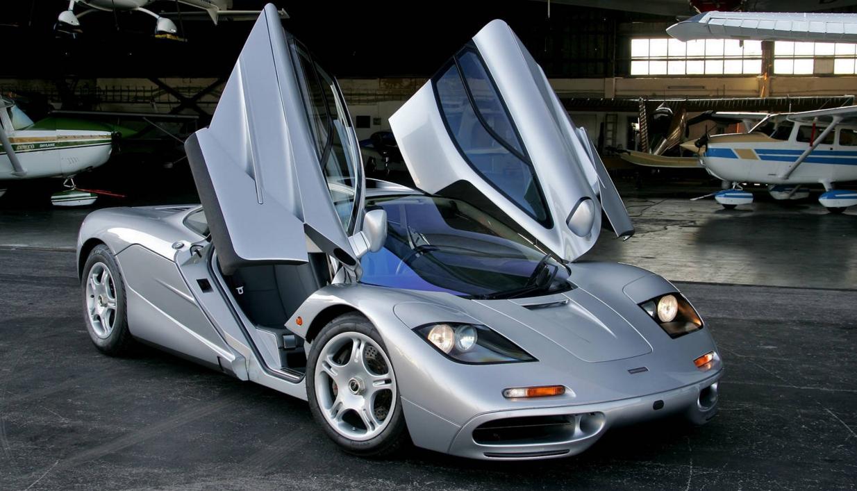Video Ferrari Enzo Vs Mclaren F1 Fifth Gear Mclaren Supercars Net Fast Sports Cars Sports Car Brands Car In The World