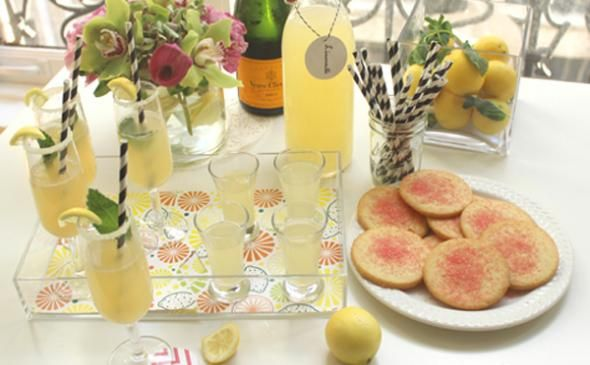A fresh summer cocktail party with homemade limoncello #limoncellococktails