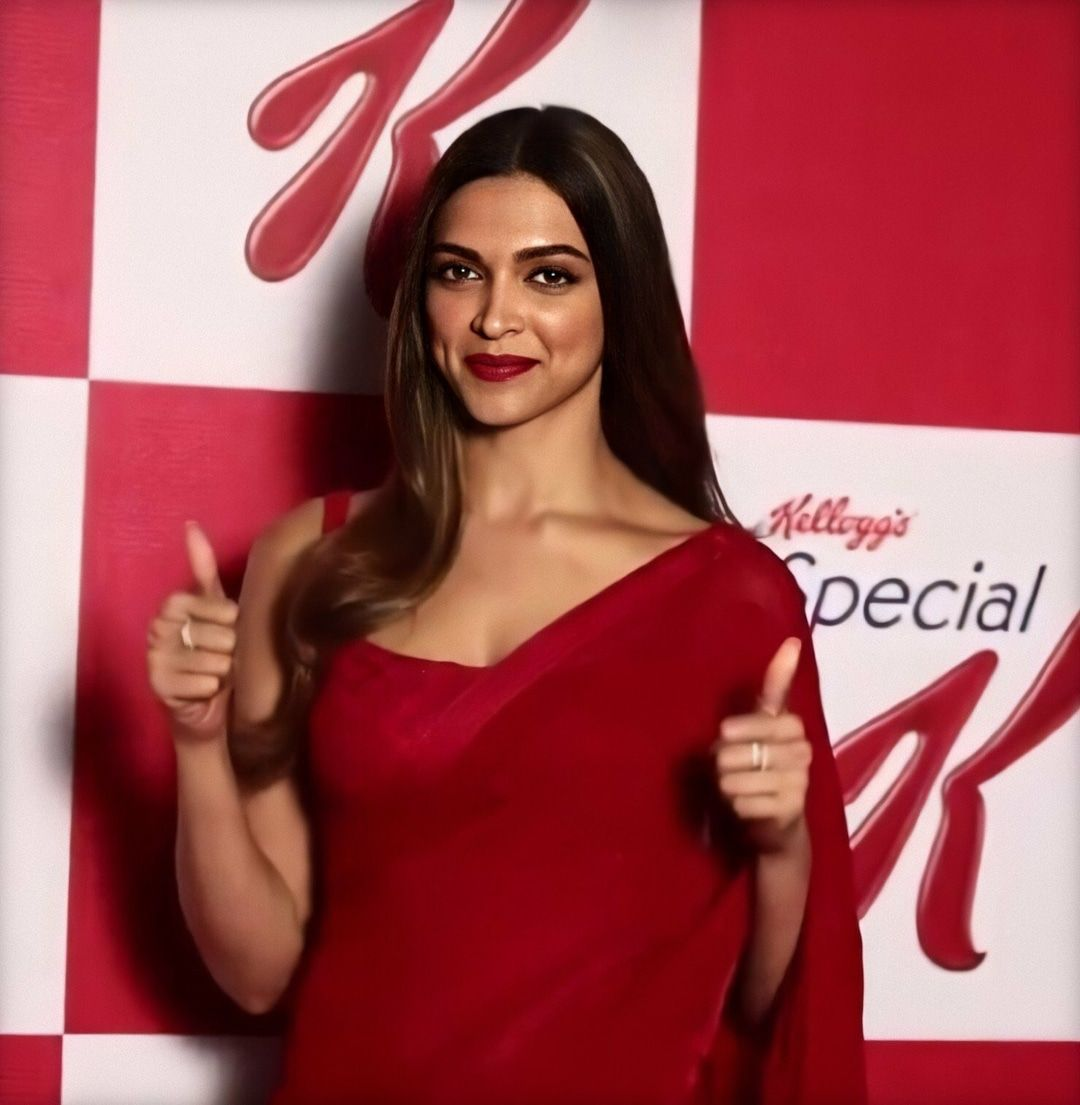 Deepikapadukone Closet On Instagram Deepika Saree Red Match Made In Heaven Deepikapadukone Deepikapadukone Ga Deepika Padukone Saree Bollywood
