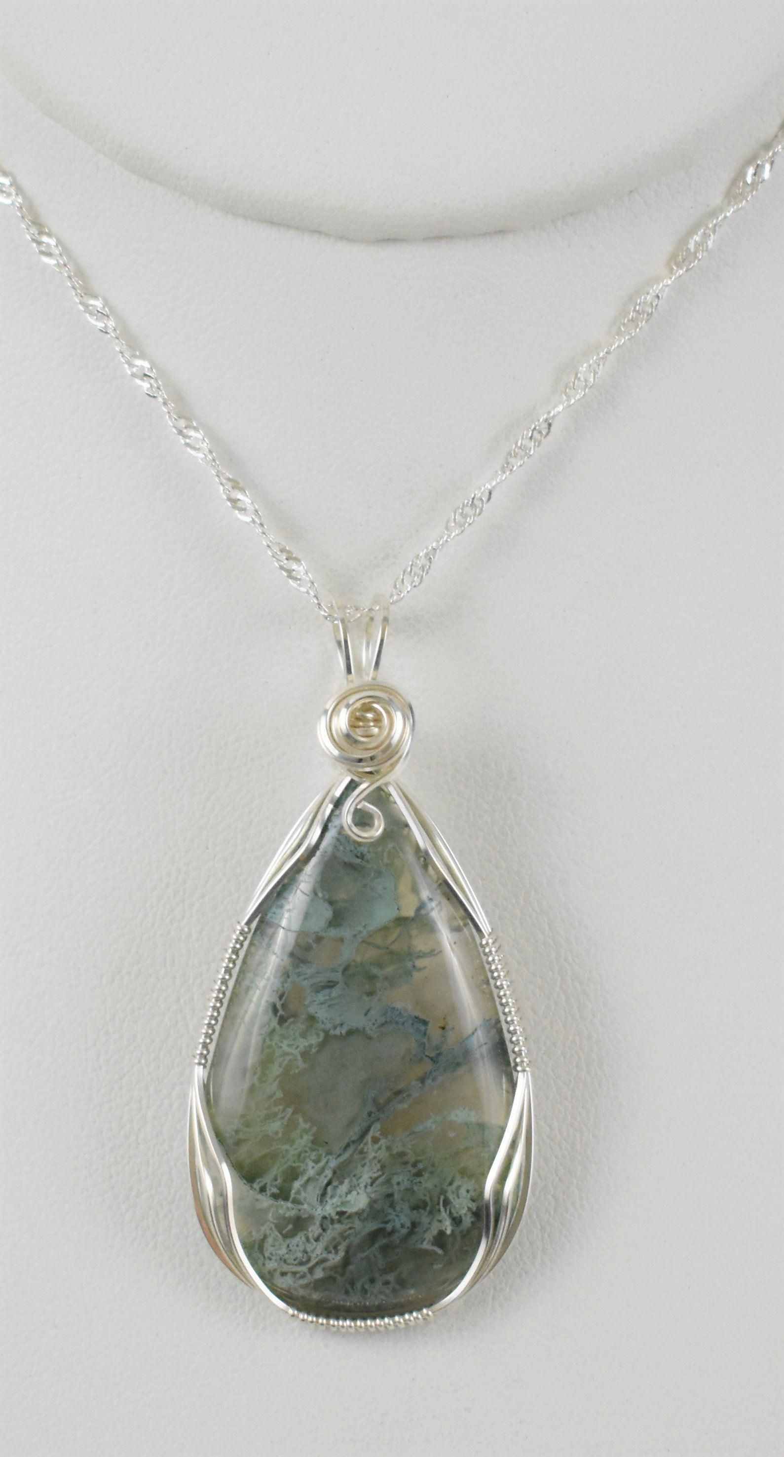 moss agate macrame necklace Green moss agate wrapped crystal, crystal necklace