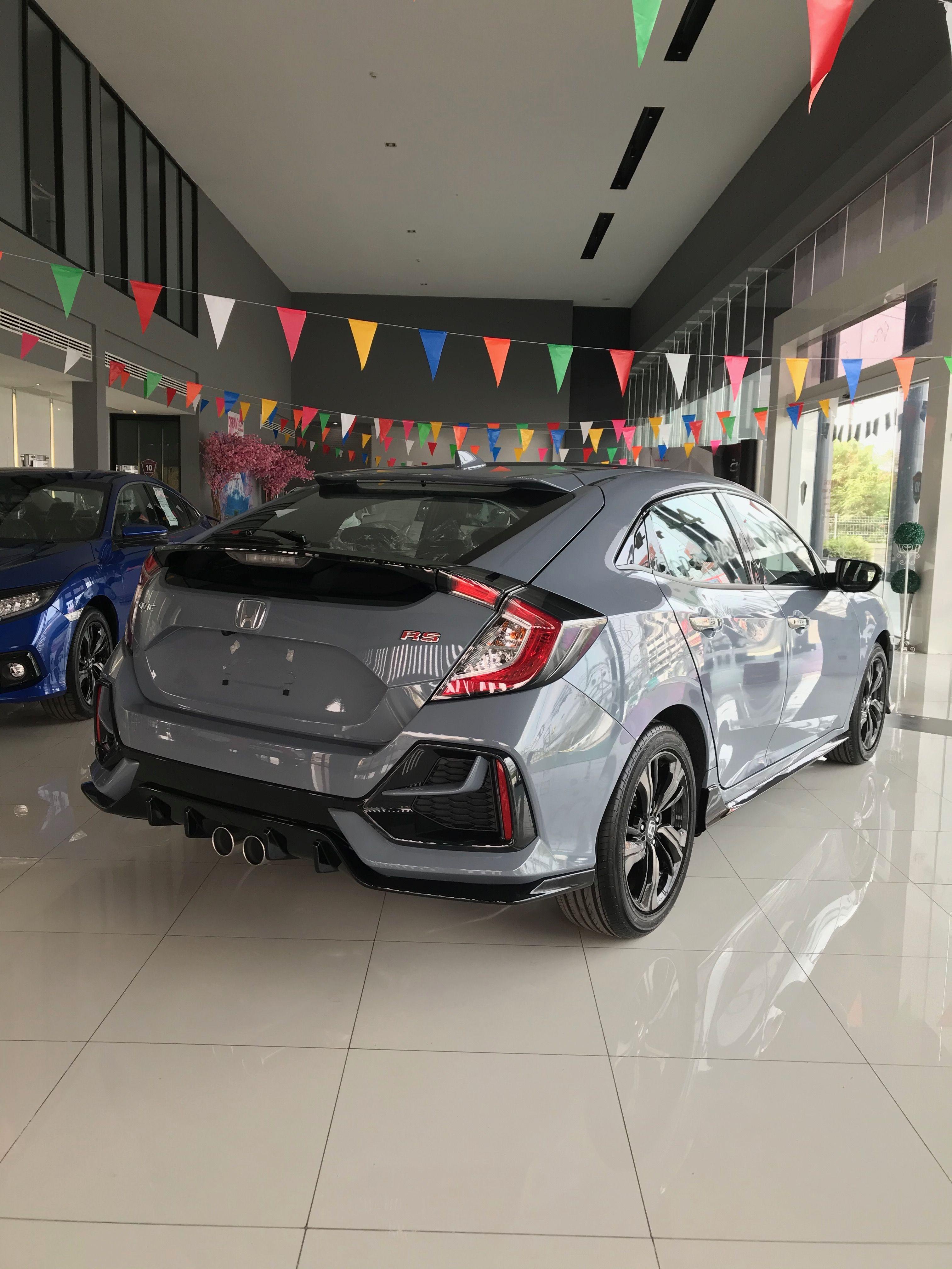 Honda Civic Hatchback Rs 28 Lakh Real Life Review In 2021 Honda Civic Hatchback Civic Hatchback Honda Civic
