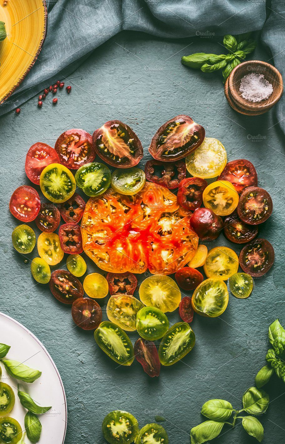 Heart Made With Colorful Tomatoes Vegetarian Recipes Tomato Food