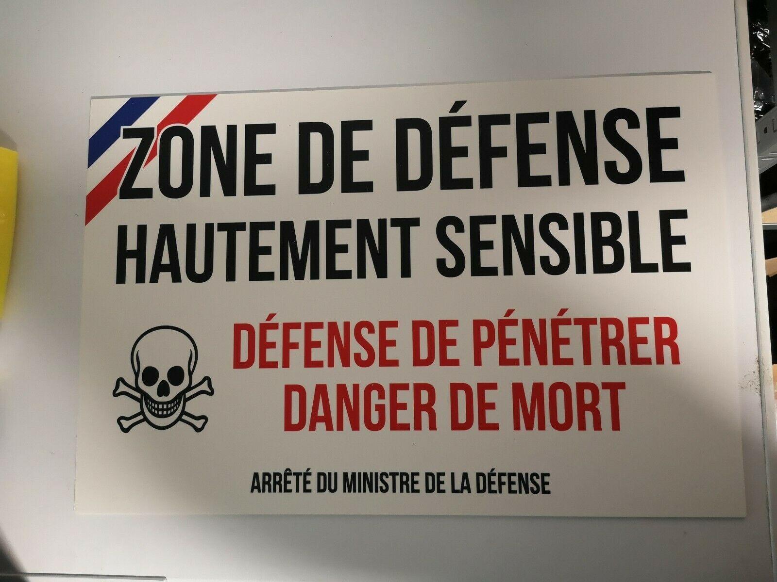 Panneau ZONE DE DEFENSE Défense de Pénétrer Danger